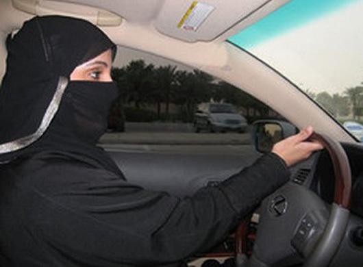 ragazze al volante