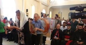 cristiani e musulmani pregano
